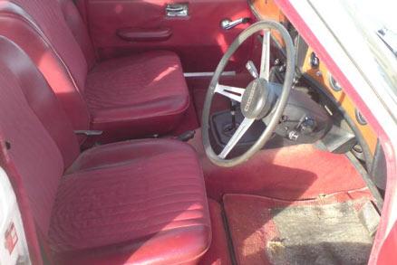 Mk II Triumph 2.5 P.I. interior